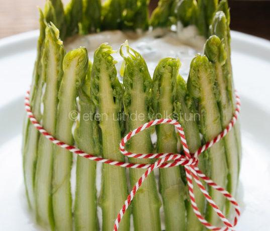 Groene asperges charlotte met verse kaas