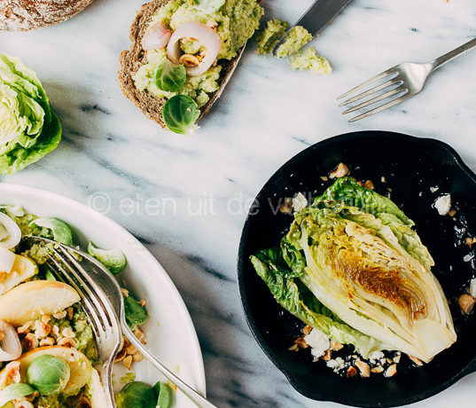 Gourmetten: little gem en spruitjessalade